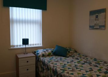 Thumbnail Room to rent in De La Pole, Hull