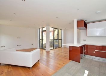 3 bed terraced house to rent in Rushgrove Mews, Rushgrove Street, Woolwich, London SE18