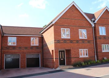 Thumbnail 5 bedroom semi-detached house to rent in Vicarage Mews, Maidenhead