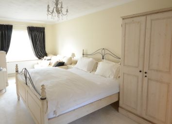 Thumbnail Room to rent in Waingels Road, Lands End, Twyford, Reading