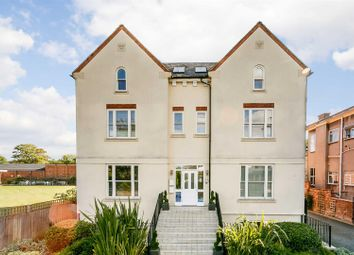 Thumbnail 2 bedroom flat to rent in Avoncroft Court, Avenue Road, Leamington Spa