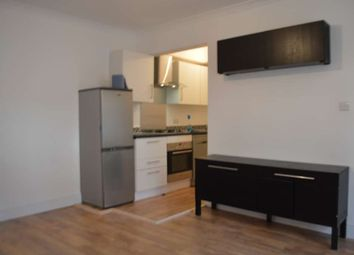 Thumbnail 2 bed flat to rent in Carlton Road, Friern Barnet, London