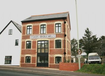 Thumbnail 2 bed flat to rent in Bridge Hill, Topsham, Exeter