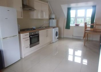 2 bed flat to rent in High Road, Southampton SO16