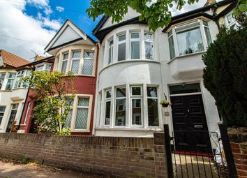 Thumbnail 2 bed property to rent in Beedell Avenue, Westcliff-On-Sea