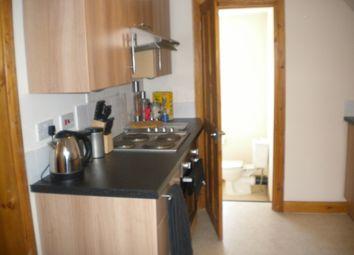 Thumbnail Studio to rent in Selsdon Road, South Croydon