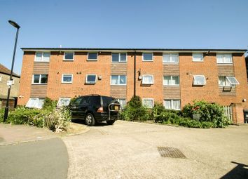 Thumbnail 2 bed flat for sale in Queens Avenue, London
