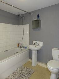 Thumbnail 2 bed flat to rent in Sea View Street, Cleethorpes