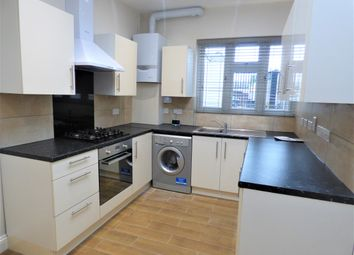 Thumbnail 5 bed flat to rent in Moxon Street, High Barnet, Barnet