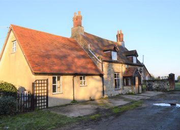 Thumbnail 4 bed cottage to rent in Millfield Avenue, East Cowes
