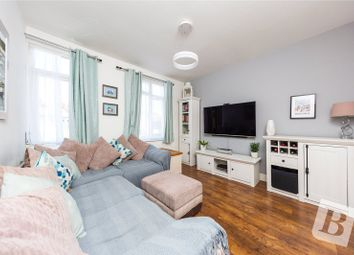 2 bed maisonette for sale in Linden Street, Romford RM7