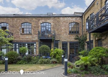 Thumbnail 2 bed town house for sale in Independent Place, London
