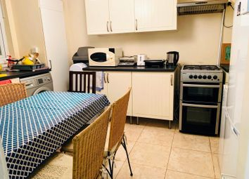 Thumbnail Room to rent in Acacia Road, London