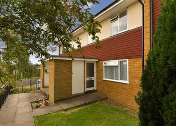 Leas Close, Chessington, Surrey KT9. 1 bed maisonette
