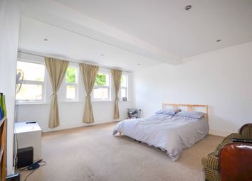 Thumbnail 3 bed flat to rent in Manville Road, Balham/Tooting Bec