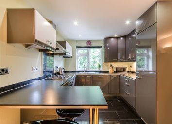 Burhill Grove, Pinner HA5. 2 bed flat