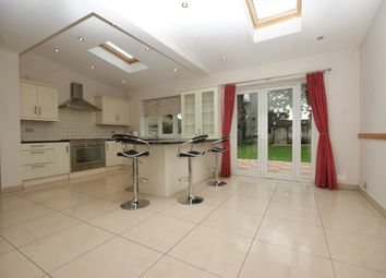 Thumbnail 5 bed detached house to rent in Oxhey Avenue, Watford