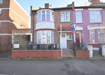 Thumbnail 3 bedroom flat to rent in Hermitage Road, Manor House