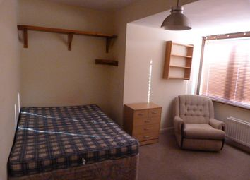 Thumbnail 2 bedroom shared accommodation to rent in Wokinghham Road, Reading