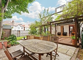 Thumbnail 4 bed flat to rent in Vaughan Avenue, Chiswick