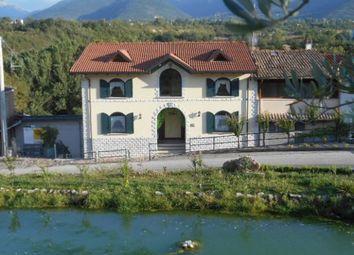 Thumbnail Hotel/guest house for sale in Campo di Fano, L\'aquila, Abruzzo