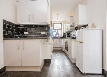 Thumbnail 2 bed flat to rent in Creighton Avenue, London