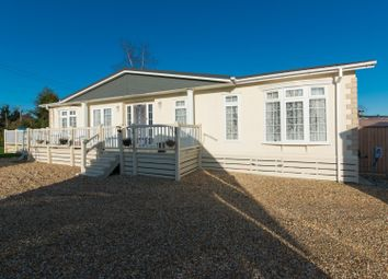 2 bed mobile/park home for sale in Way Hill, Minster, Ramsgate CT12