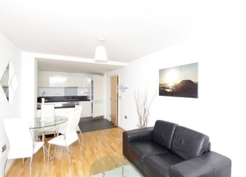 Thumbnail 2 bed flat to rent in Great West Road, Brentford
