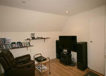 Thumbnail 1 bedroom flat to rent in Golders Green Road, Golders Green
