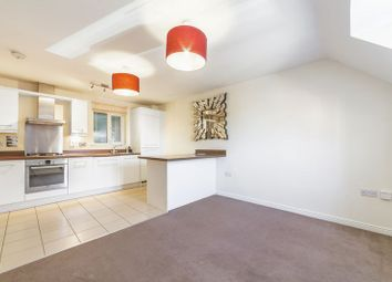 2 bed flat to rent in Fidgeon Close, Bromley BR1