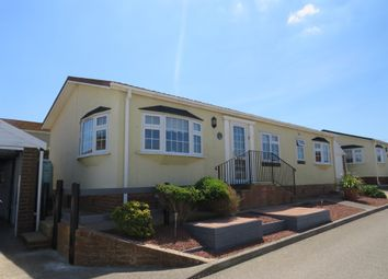 Newhaven Heights, Court Farm Road, Newhaven BN9. 2 bed mobile/park home