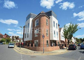 Thumbnail 1 bed flat to rent in Ravenscroft Avenue, London
