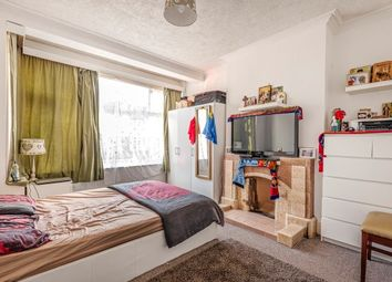 Thumbnail 3 bedroom property to rent in Middleton Avenue, London
