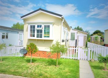 Thumbnail 2 bedroom mobile/park home for sale in Applegarth Park, Seasalter Lane, Whitstable