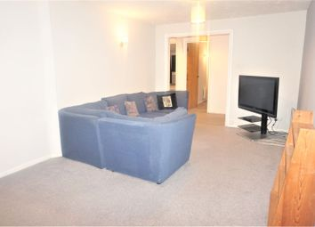 Thumbnail 2 bed flat to rent in Drum Mead, Petersfield