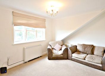Thumbnail 1 bed property to rent in Queens Road, Slough