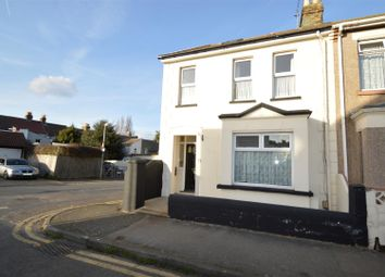 Thumbnail 4 bedroom property to rent in Byron Road, Gillingham
