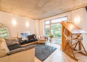 Thumbnail 2 bed flat for sale in 43 Southgate Road, Islington