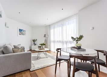 Thumbnail 2 bed flat to rent in Queenstown Road, Battersea
