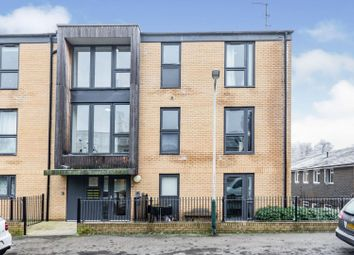 2 bed flat for sale in Greggs Wood Road, Tunbridge Wells TN2