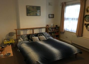 Thumbnail Room to rent in Hook Road, Surbiton