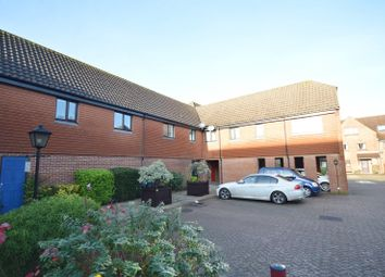 Thumbnail 1 bed flat to rent in Bishopsgate Walk, Chichester