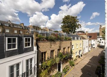 2 bed mews house to rent in Rutland Mews South, Knightsbridge, London SW7