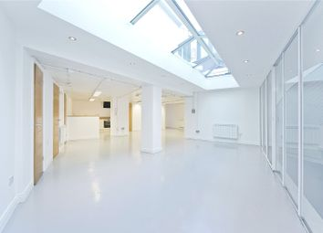 Thumbnail 2 bed flat to rent in Cambridge Heath Road, Bethnal Green