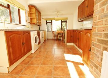 Thumbnail 6 bed detached house to rent in Shelbourne Road, Bournemouth