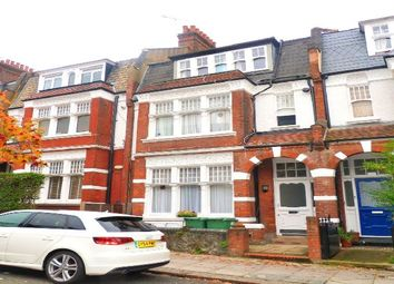 Thumbnail Studio to rent in Glenmore Road, London