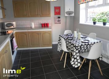 2 bed flat to rent in Louis Street, Hull HU3
