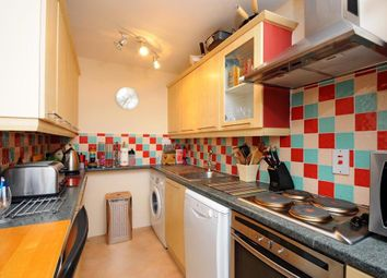 Thumbnail 2 bed flat to rent in Richmond, Surrey
