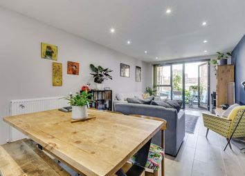 Singapore Road, London W13. 2 bed flat