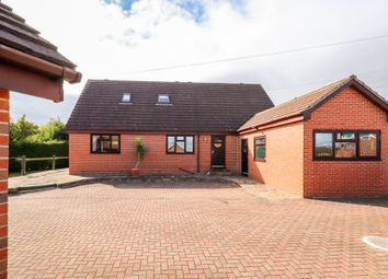 Thumbnail 5 bed detached house for sale in Greatfield Road, Ossett